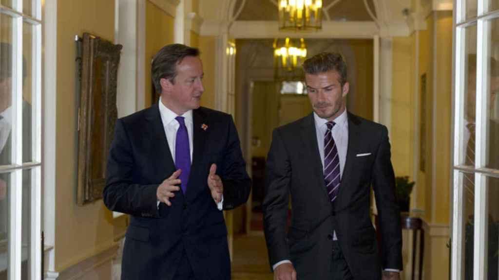 David Beckham, junto a David Cameron en Downing Street.