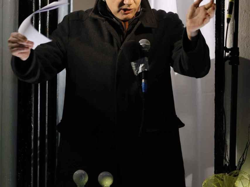 Julian Assange reside en la Embajada desde el año 2012.