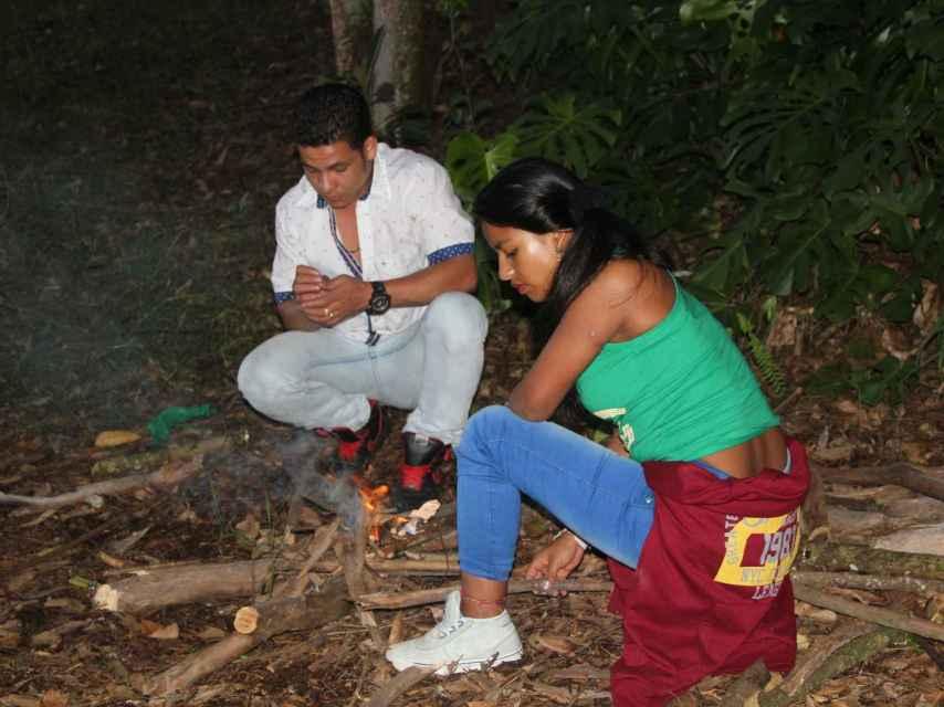 Manuel y Catalina tienen 19 años; abandonaron las FARC hace tres.