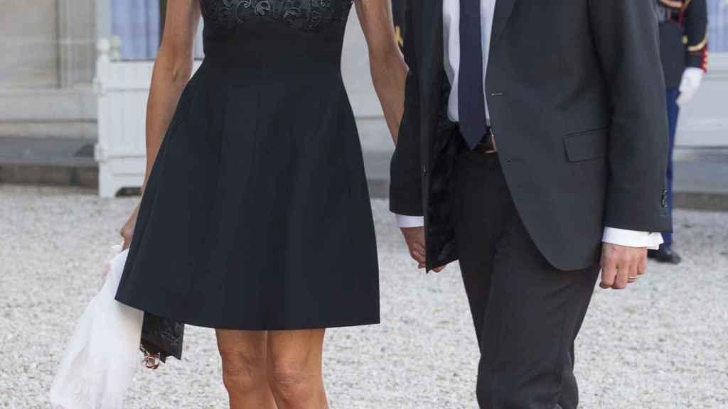 Brigitte y Emmanuel Macron, una pareja observada en Francia