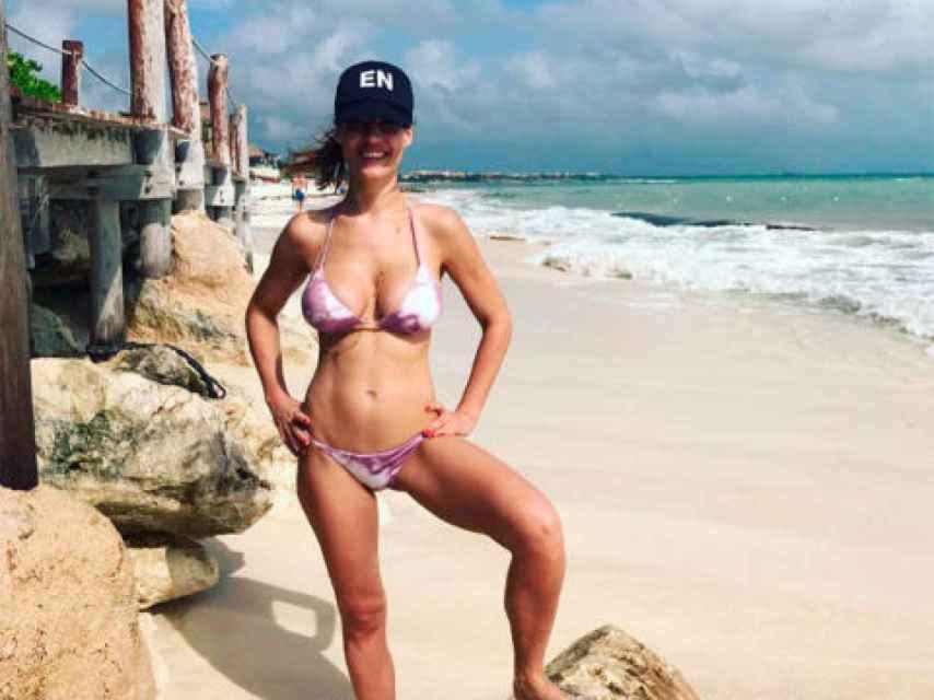 Ana Bono lucía ya una incipiente barriguita hace unas semanas en la playa.