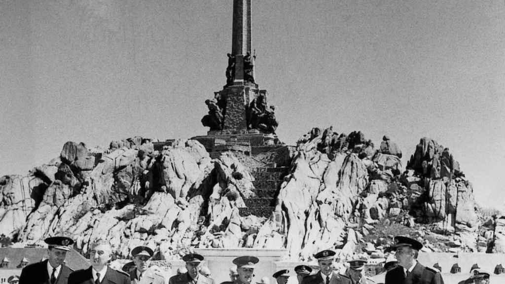 Franco, en la inauguración del Valle de los Caídos, en abril de 1959.