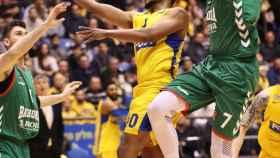 El Maccabi ganó por la mínima al Baskonia.