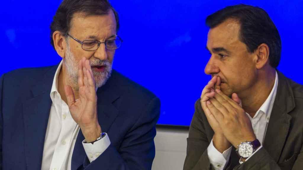Fernando Martínez Maíllo junto a Mariano Rajoy.