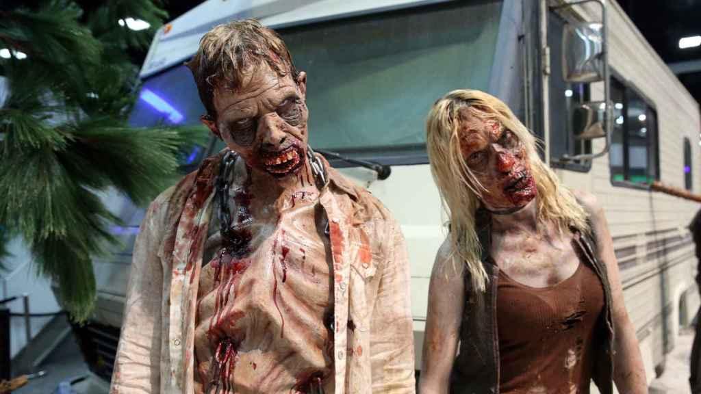 Dos actores vestidos de zombies en la última Comic Con.