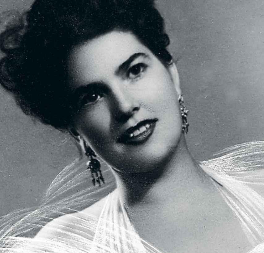 Una fotografía de joven de Araceli González Carballo.