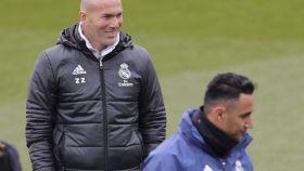 Zidane y Keylor Navas durante el entrenamiento del Madrid.