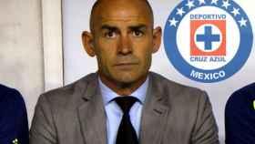 Paco Jémez, en el banquillo del Cruz Azul.