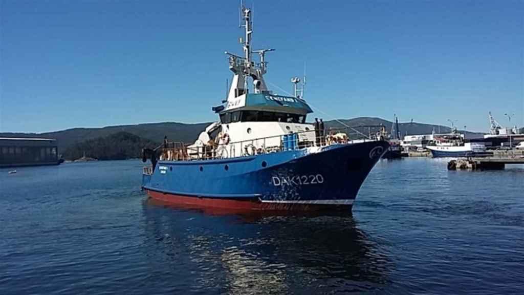 Imagen del pesquero naufragado en Senegal.