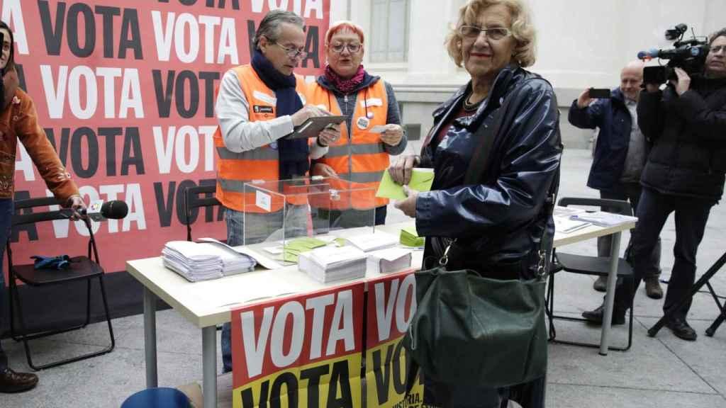 Carmena votó el lunes por la mañana en Cibeles.