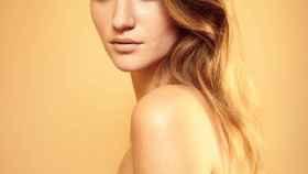 Imagen de la portada de Playboy de marzo y abril que recupera el desnudo.