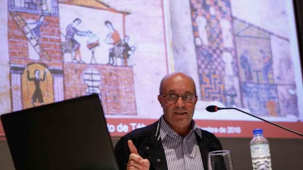 El exsacerdote en una conferencia sobre el beato de Tábara en la Biblioteca Pública de Zamora en septiembre de 2016.