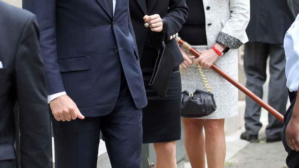 Luis Alfonso de Borbón con su esposa, Margarita Vargas, y su madre, Carmen Martínez Bordiú.