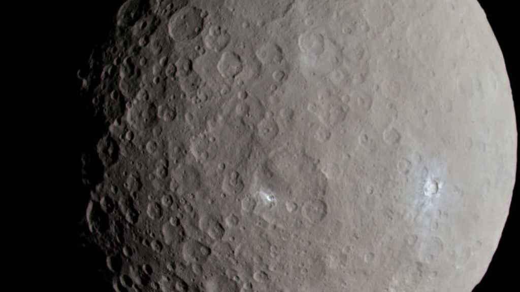 Vista de Ceres en su color original.