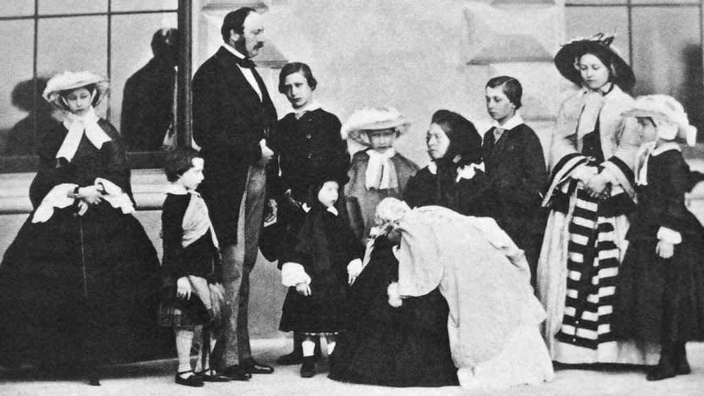 La reina Victoria, el príncipe Alberto y sus nueve hijos.