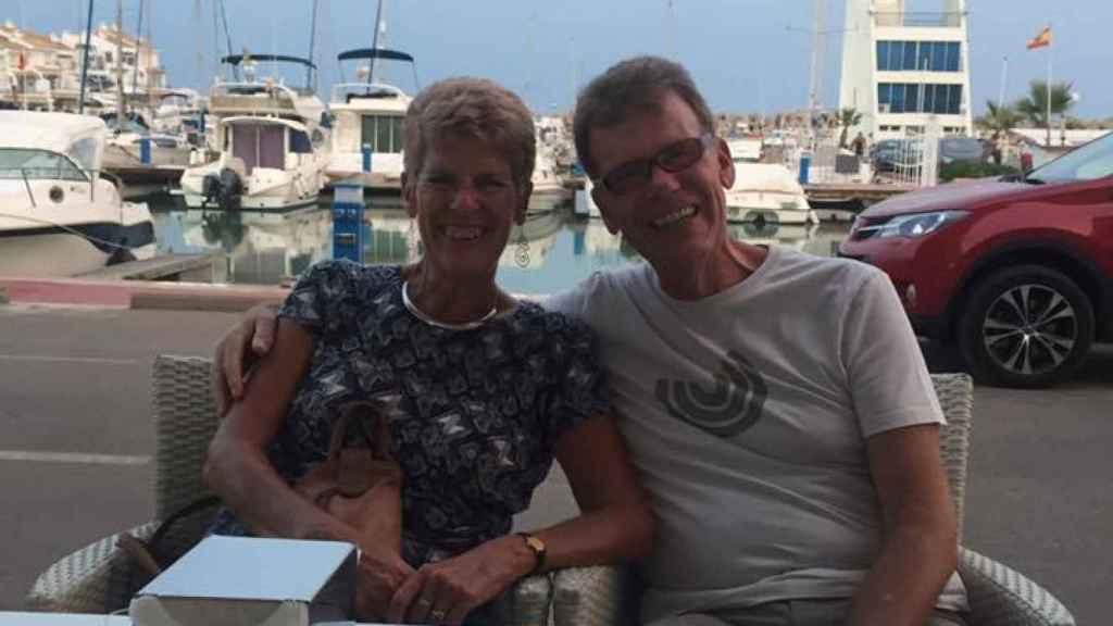 Wilson y su marido, Steve, residen en Alcossebre (Castellón).