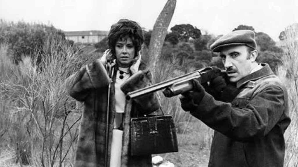 Fotograma de la 'La escopeta nacional'.