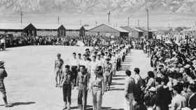 Los norteamericanos de origen japonés llevados a campos de internamiento.