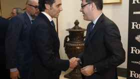 El presidente de Telefónica José María Álvarez-Pallete junto al ministro de Energía Alvaro Nadal y el editor de Forbes Andrés Rodríguez.