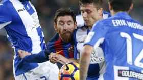 Messi disputa un balón en el partido ante el Leganés.
