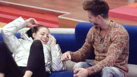 Marco y Alyson se besan ante Aylén durante la prueba semanal de 'GH VIP 5'