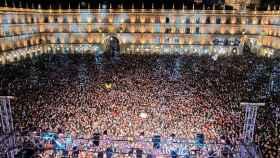 multitud-concierto-plaza-mayor-salamanca