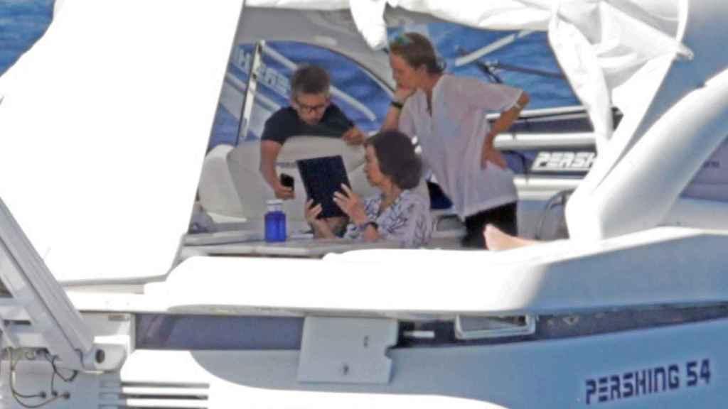 MIguel Urdangarin con la infanta Elena y la reina Sofía, este verano en Mallorca