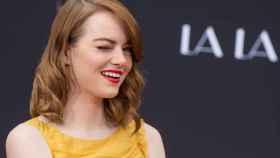 Emma Stone momentos antes de imprimir su huella en Hollywood el pasado 2016 | Foto: Getty Images.