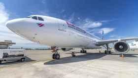 Airbus A330 de Eurowings estacionado en el aeropuerto