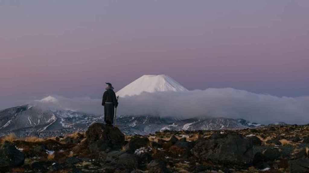 Una de las imágenes tomadas por Akhil Suhas frente al Monte Ngauruhoe (Mordor).