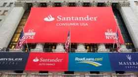Pancarta de Santander Consumer USA el día de su estreno en Wall Street.