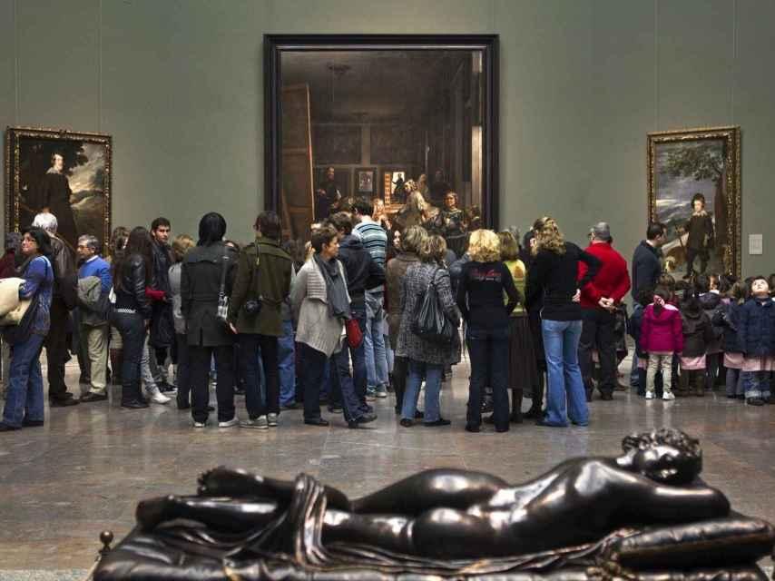 La sala más concurrida del Prado, con Las Meninas. MNP