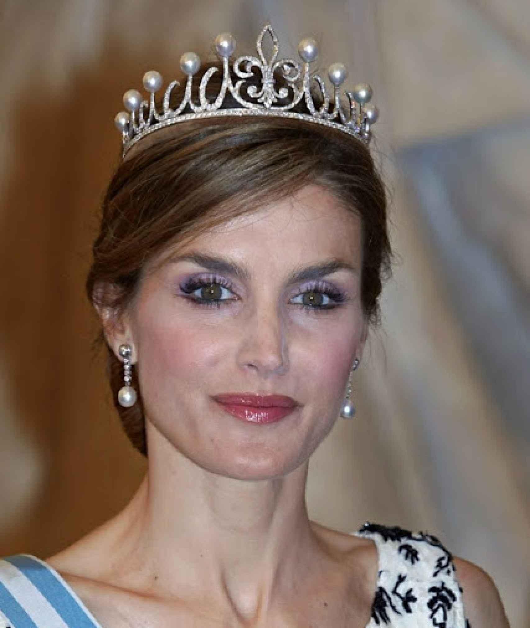 Felipe VI le regaló esta tiara en su segundo aniversario de casados.