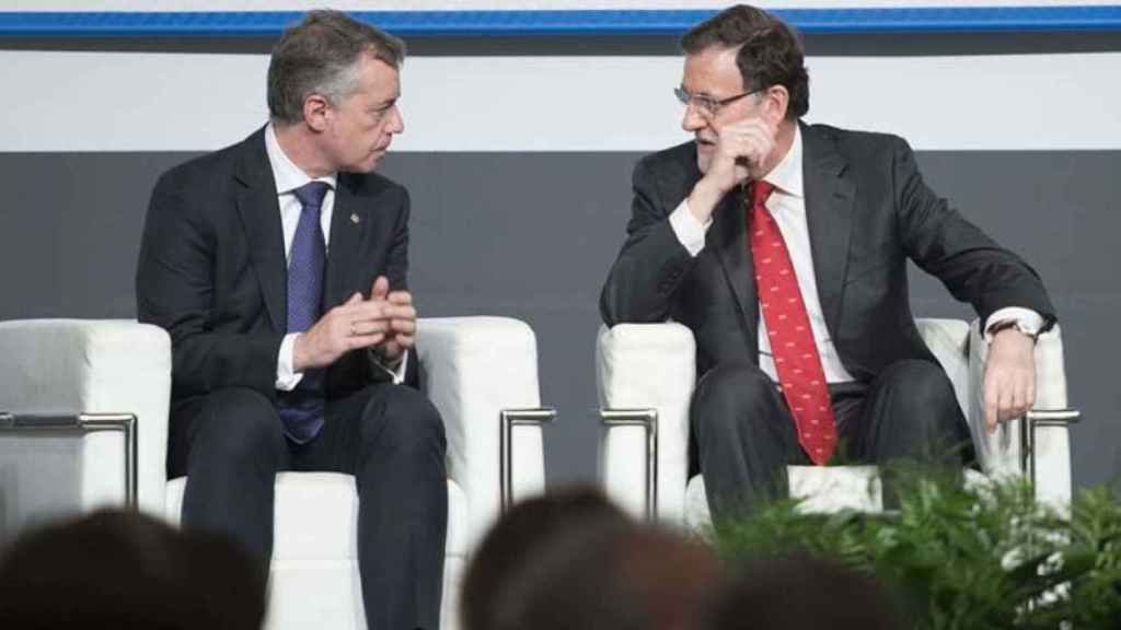 Urkullu conversa con Rajoy.