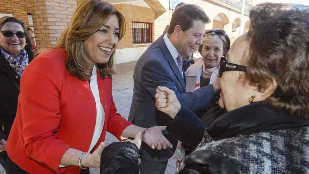 Susana Díaz, junto a Emiliano García-Page, ayer en un acto en Azuqueca de Henares.