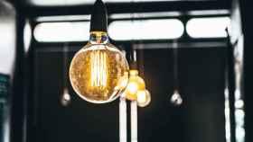 luz-electricidad-subida-bombilla-valladolid
