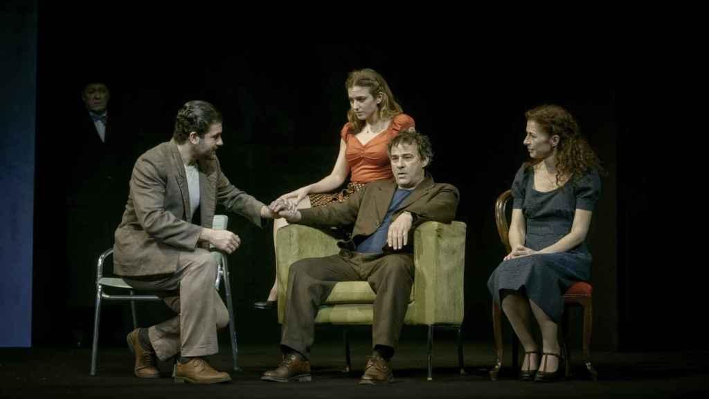 Imagen de Panorama desde el puente, de Arthur Miller, protagonizada ahora por Eduard Fernández en los Teatros del Canal.