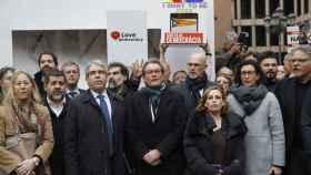 Francesc Homs, acompañado de Artur Mas y otros dirigentes catalanes, antes de partir hacia el Supremo.