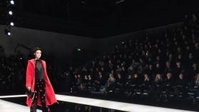 Desfile de Armani en Milan Fashion Week. | Foto: Andrés Rodríguez.