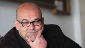 El escritor canario Alexis Ravelo.