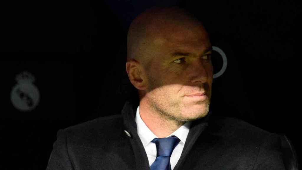 Zidane, en el banquillo. Foto: Lucía Contreras / El Bernabéu
