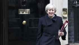 La primera ministra May abandona su residencia en Downing Street