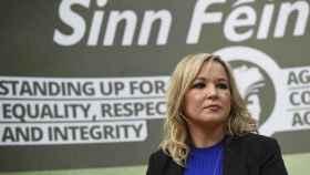 La líder del Sinn Féin, Michelle O'Neill, busca imponerse frente a los unionistas en estos comicios anticipados.