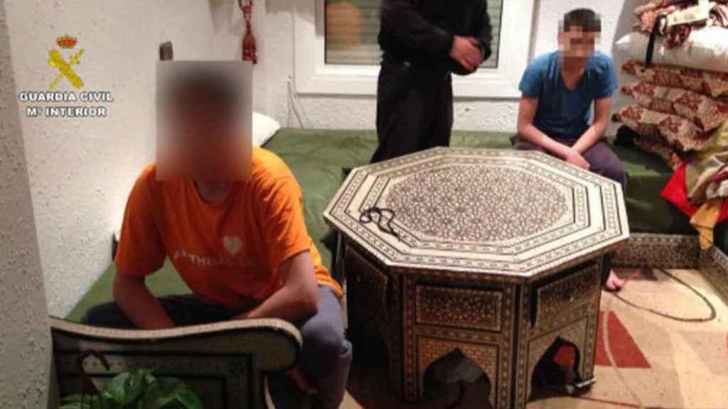 Imagen de la operación en la que fueron detenidos dos menores gemelos por yihadismo.