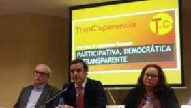 Los coordinadores de TranC'sparencia en una rueda de prensa en Madrid.