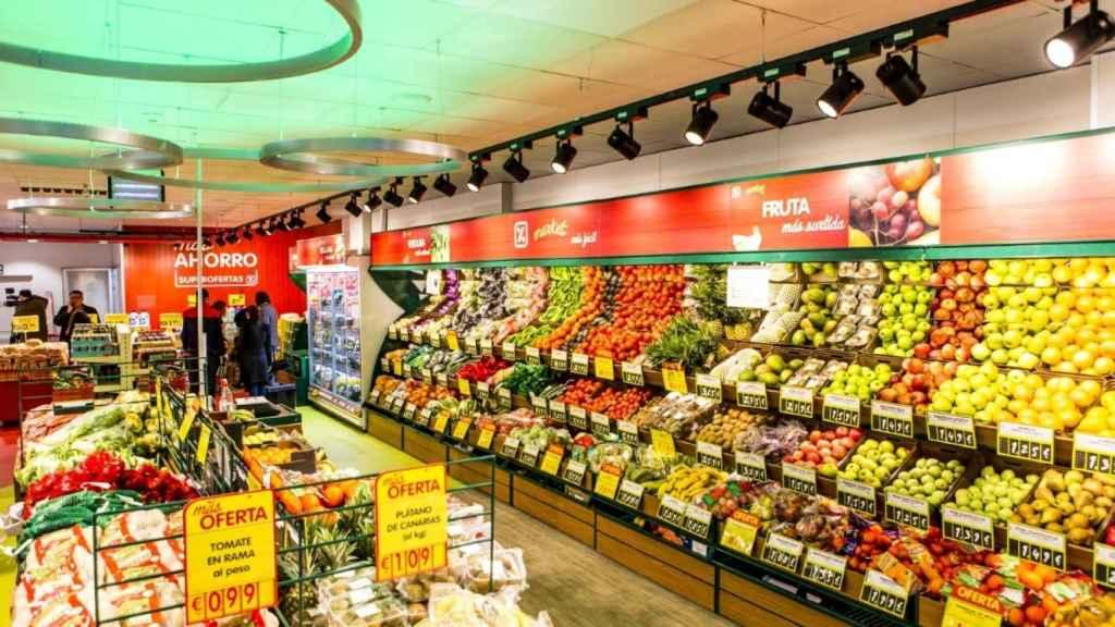 Interior de una tienda Dia Market