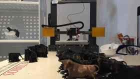 Creación de miniatura de toro en una impresora 3D.