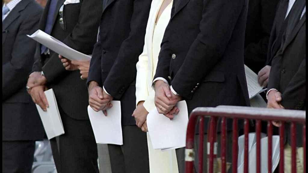 Revenga, a la derecha de la imagen, detrás de la infanta Cristina e Iñaki Urdangarin.