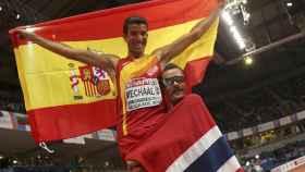 Adel Mechaal celebra su victoria en los 3.000 metros.