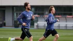 Ramos y Modric entrenando